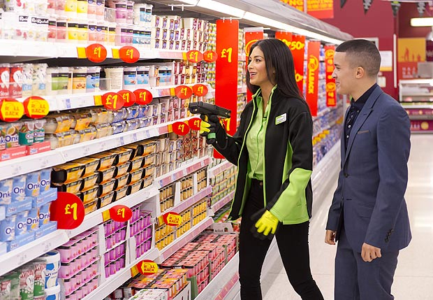 Be nice to staff and they might return the favour - image courtesy of The Sun (http://10ws.co/1JRWJbf)